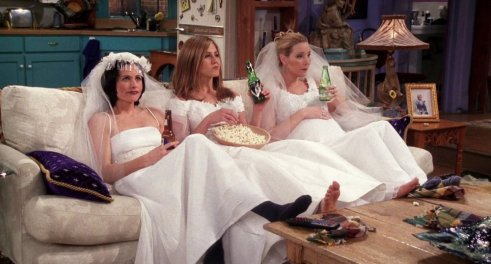 friends-monica-rachel-phoebe-robe-de-mariage