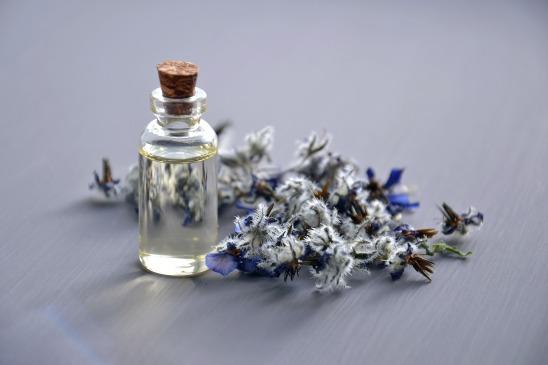 cosmetic-oil-3164684_1920