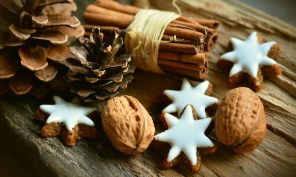 cinnamon-stars-2991174_1920